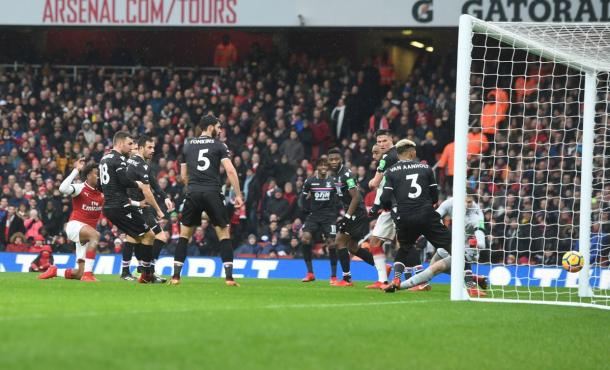 Escena del tanto de Alex Iwobi | @Arsenal