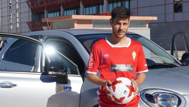 Presentación de Carlos Martínez como nuevo jugador grana. Foto: Real Murcia