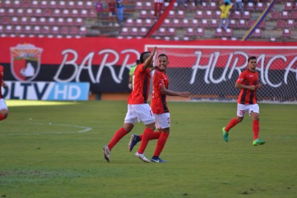 Jesús Bueno celebrando su primer gol como profesional | FOTO: Prensa Deportivo Lara