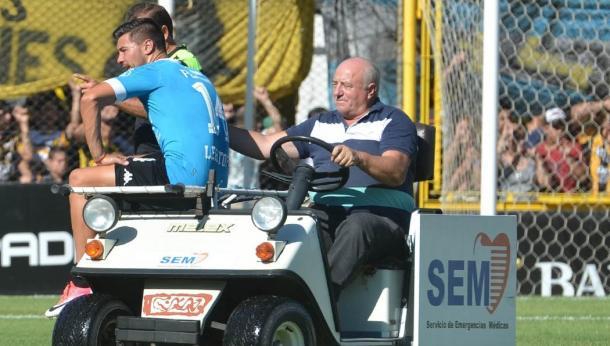 Lértora tuvo que dejar el campo antes de los 15 minutos | Foto: Belgrano Oficial.