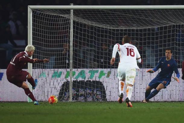 Il rigore di Maxi Lopez per l'1-1 finale | Foto: gazzetta.it