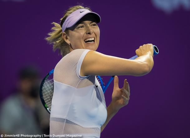 Maria Sharapova hits a forehand during her first-round loss against Monica Niculescu | Photo: Jimmie48 Tennis Photography