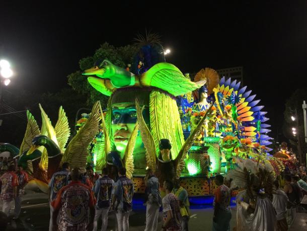 Segunda alegoria da União da Ilha (Foto: Luis Araujo / VAVEL Brasil)