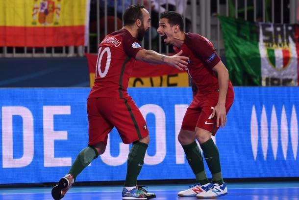 Ricardinho y Bruno Coelho festejan el 1-0 | Foto: UEFA