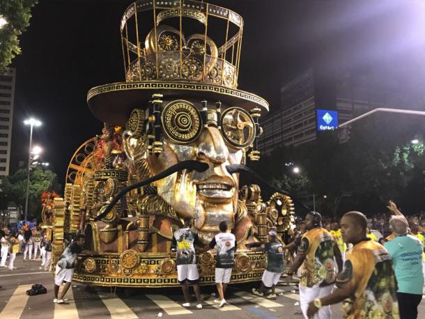 Tripé da Unidos do Viradouro  (Foto: Luis Araújo/VAVEL Brasil)
