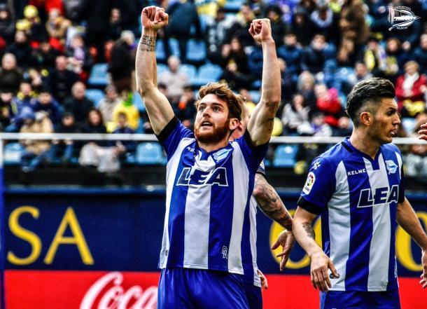 Ibai celebra uno de los últimos goles del equipo babazorro. Fuente: deportivoalaves.com