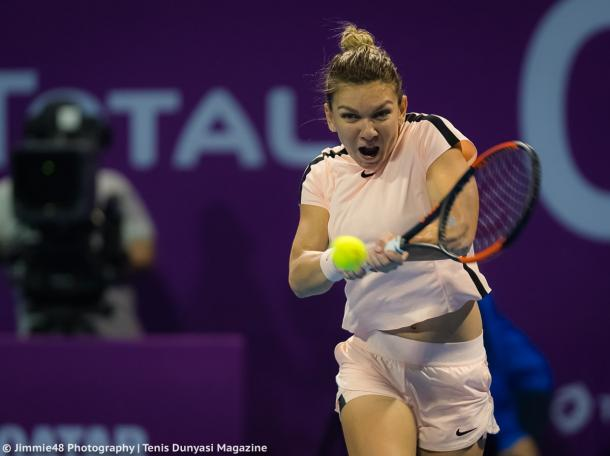 Simona Halep in action during the match | Photo: Jimmie48 Tennis Photography