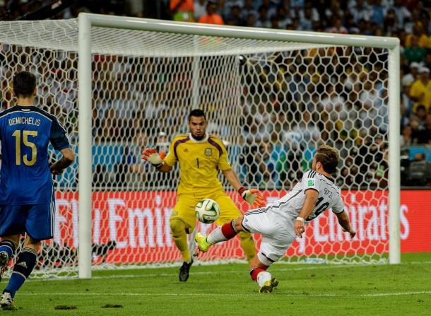 Mario Götze marcó el gol de campeonato de Alemania en Brasil 2014 | Foto: @DFB_Team_ES