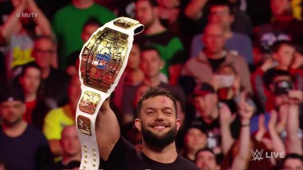 Bálor sostiene el título en Raw. | Foto: WWE