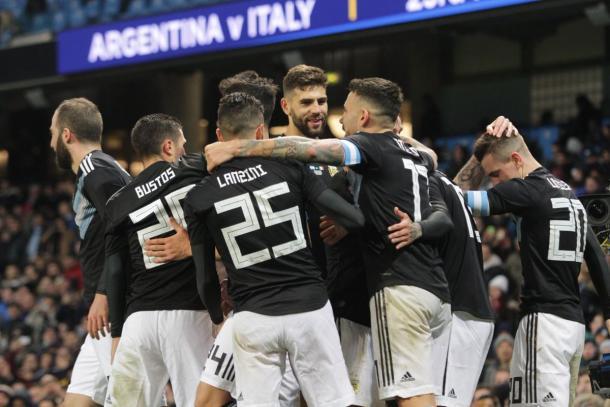 Argentina venció 2-0 a Italia | Foto: AFA,