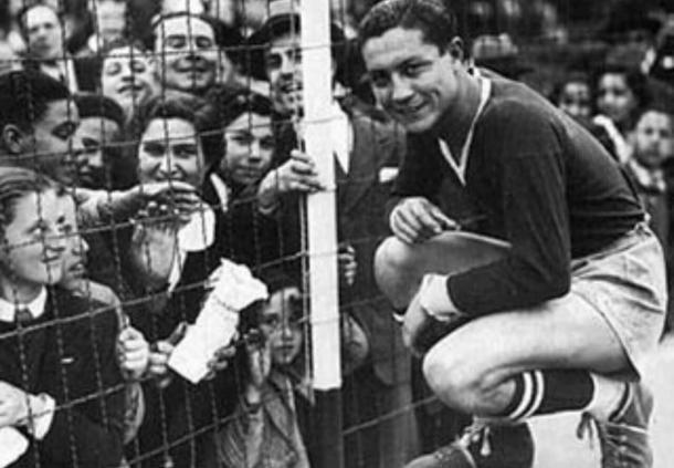 Arsenio Erico uno de los máximos goleadores de la historia.