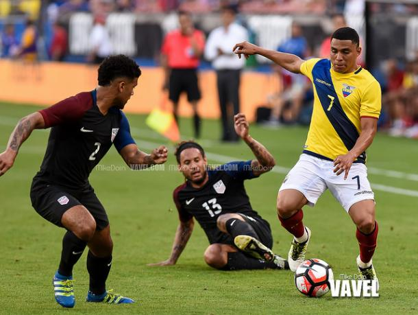 DeAndre Yedlin (left) will miss this game because of the two yellow cards he received in the United States' game against Paraguay | Mike Dorn - VAVEL USA