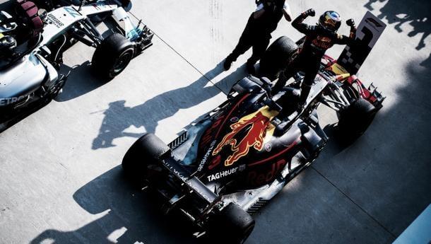La gran victoria de Red Bull en China da esperanzas a Renault | Foto: @redbullracing