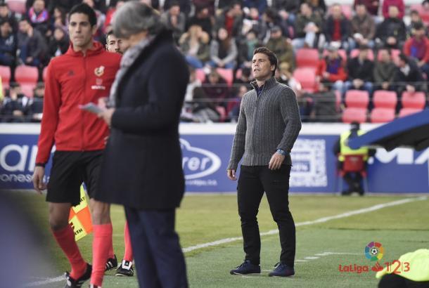 Rubí dirigiendo al Huesca | Foto: LaLiga 123