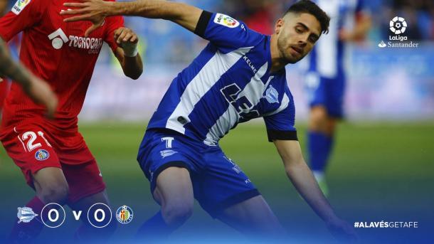 Rubén Sobrino sale con el balón jugado. Fuente: LaLiga