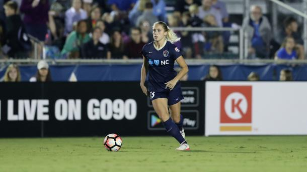 Abby Dahlkemper won the 2017 Defender of the Year | Source: Andy Mead - ISI Photos