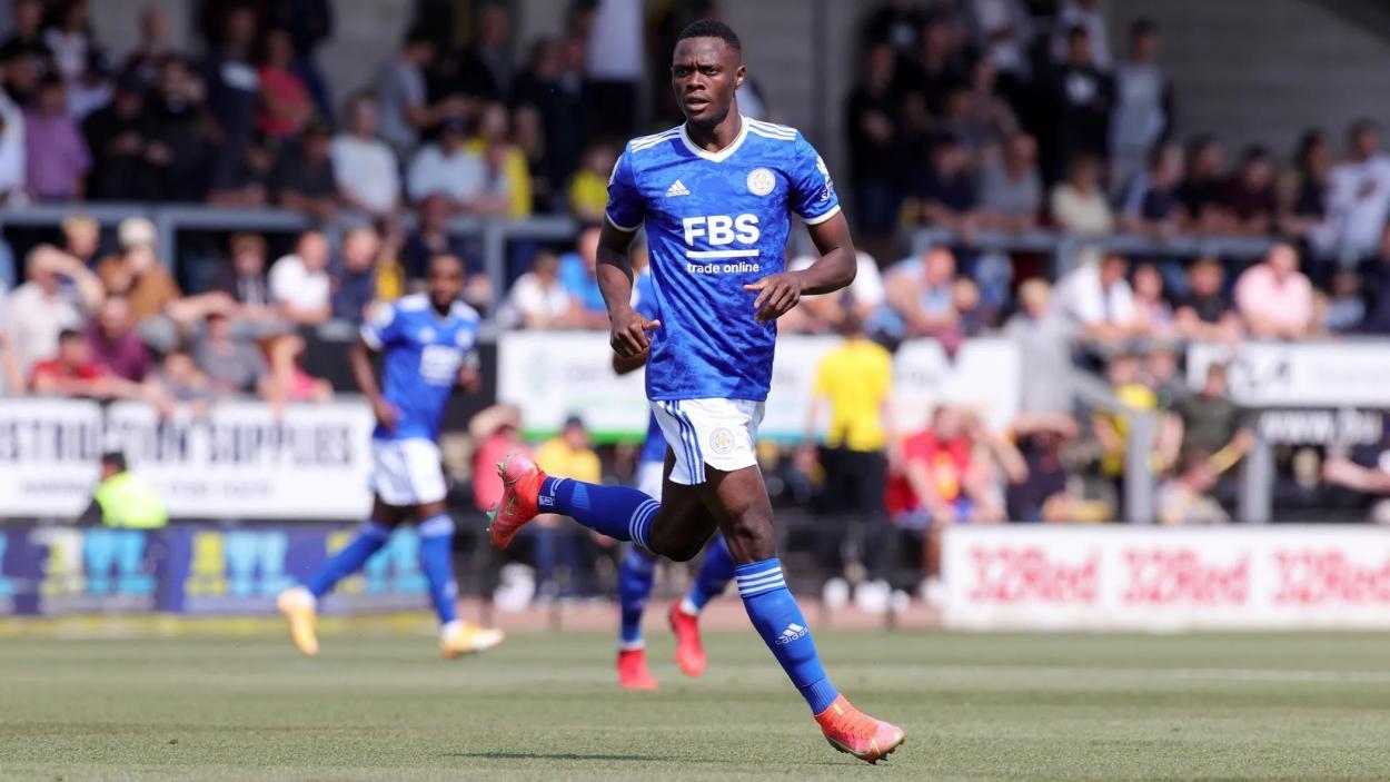Patson Daka disputando un partido con el Leicester City. FUENTE: LCFC