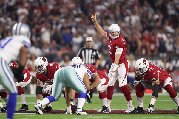 Quarterback Carson Palmer #3 of the Arizona Cardinals gestures behind the offensive line against the Dallas Cowboys. |Sept. 24, 2017 - Source: Christian Petersen/Getty Images North America|