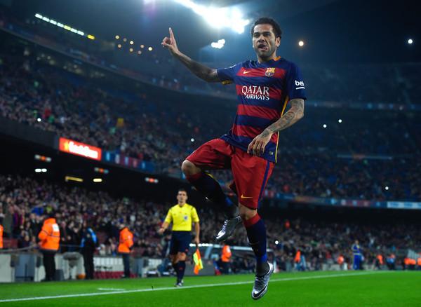 Dani Alves festeggia un gol a suo modo. Fonte: Getty Images.