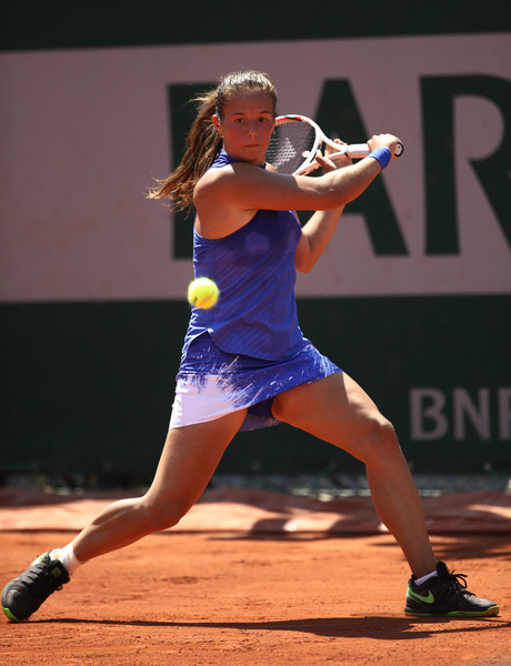 Daria Kasatkina hits a backhand slice   Photo: Julian Finney/Getty Images Europe