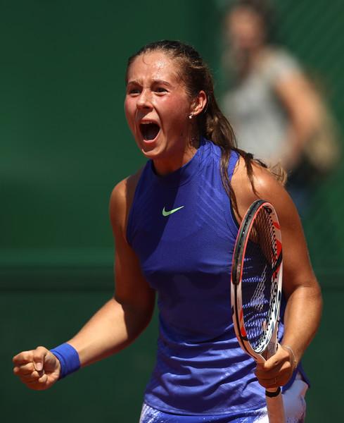 Daria Kasatkina celebrates the victory   Photo: Julian Finney/Getty Images Europe