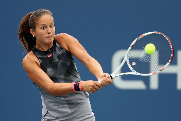 Daria Kasatkina hits a backhand during her third-round match against Jelena Ostapenko at the 2017 U.S. Open. | Photo: Al Bello/Getty Images