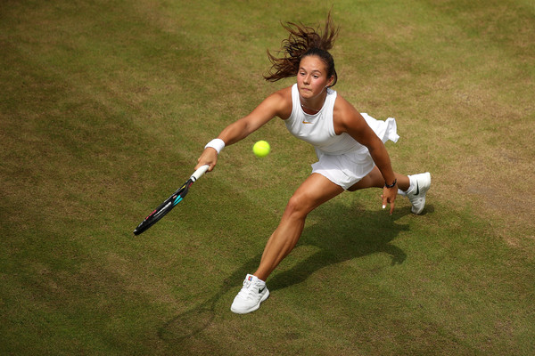 Daria Kasatkina will make her second consecutive Major quarterfinal appearance tomorrow | Photo: Julian Finney/Getty Images Europe