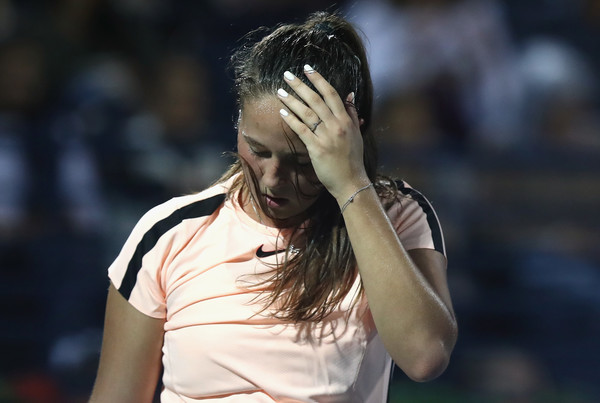 Daria Kasatkina had a great start, but failed to keep up her high level of play as she looked tired towards the closing stages | Photo: Francois Nel/Getty Images Europe