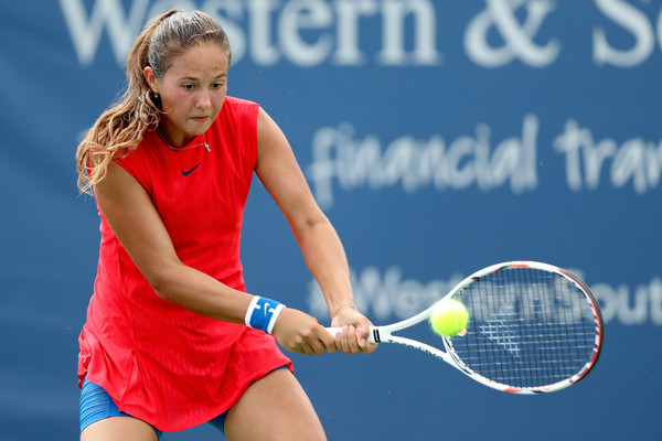 Daria Kasatkina in action at the Western and Southern Open | Photo: Matthew Stockman/Getty Images North America