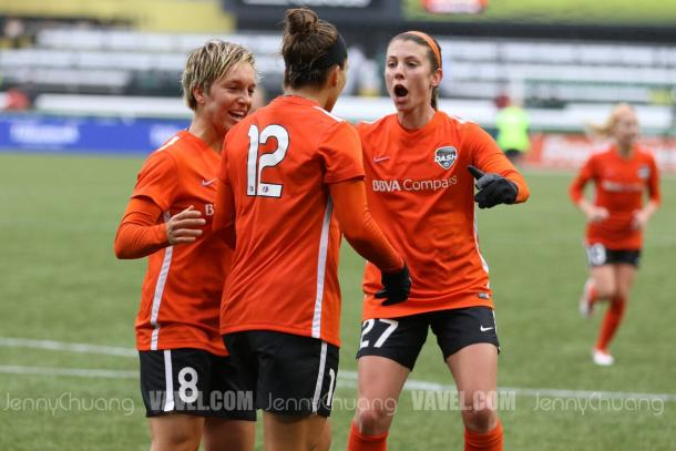 Amber Brooks (middle) celebrates her goal with teammates.   Source: Jenny Chuang - VAVEL USA