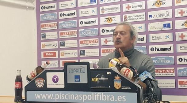 David Vidal en rueda de prensa | Foto: deportivoguadalajara.es