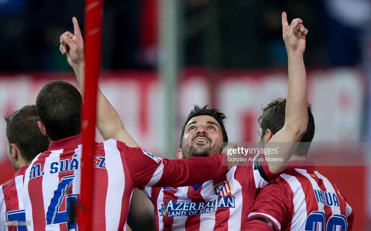 David Villa dedicando su gol a Luis Aragonés | Foto:Gonzalo Arroyo Moreno (Getty Images)