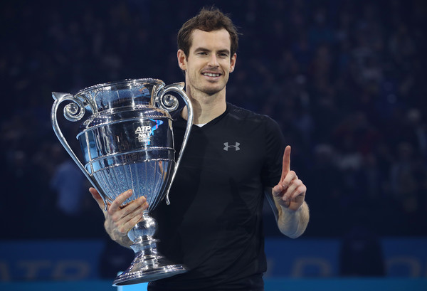 Murray with the year-end number one trophy (Photo by Julian Finney/Getty Images)