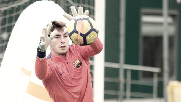 Iñaki Peña en el último entrenamiento antes de poner rumbo a Ciudad Real   @FCBmasia en Twitter