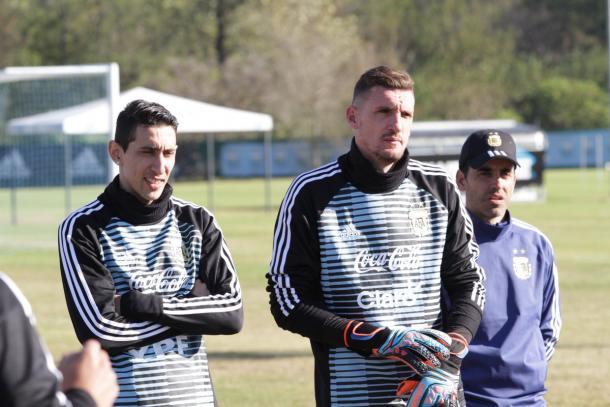 Franco Armani, junto a Di María en su primer entrenamiento con la Selección. Fuente: AFA Oficial