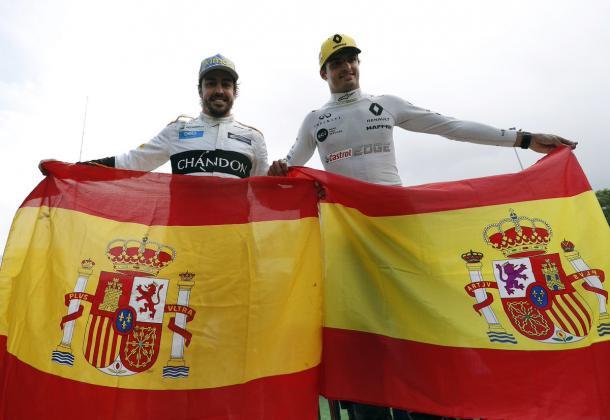 Fernando Alonso y Carlos Sainz Jr. Foto: Twitter Fernando Alonso
