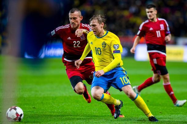Forsberg es el encargado de dirigir a su selección hacia el gol | Foto: @RBLeipzig_EN