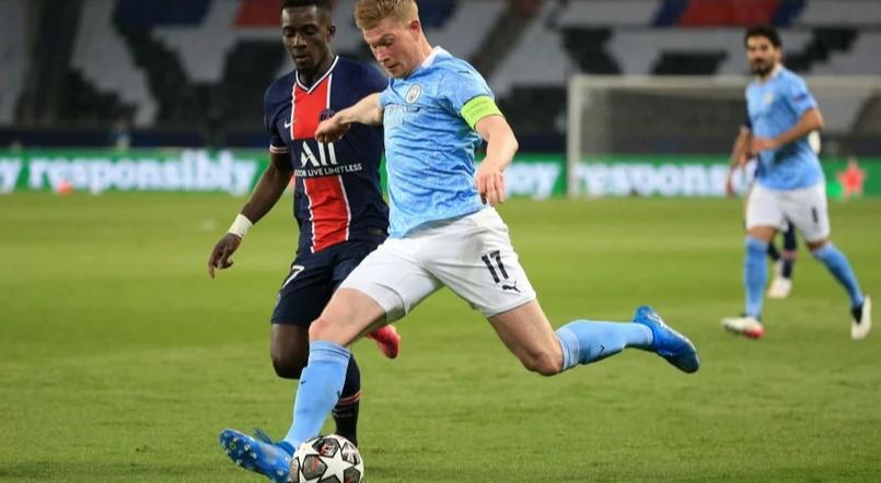 Kevin De Bruyne en acción contra el PSG. FUENTE: Manchester City