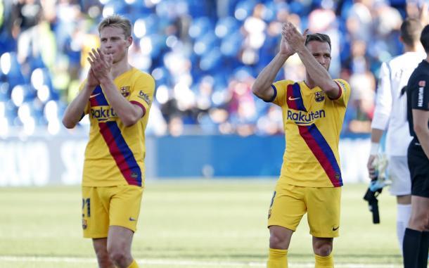Frenkie De Jong y Arthur Melo agadecen al público y celebran el triunfo ante Getafe / Foto: @FCBarcelona