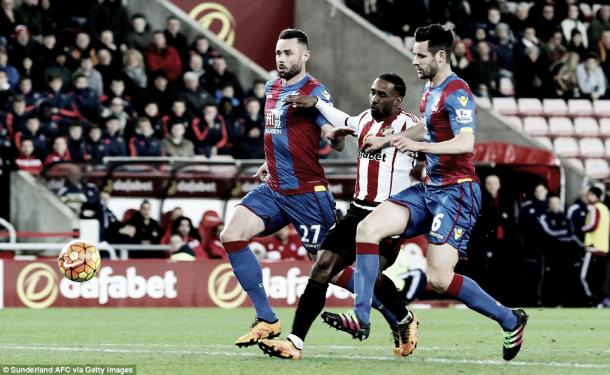 Above: Jermain Defoe in action during Sunderland's 2-2 draw with Crystal Palace  image source: Getty Images
