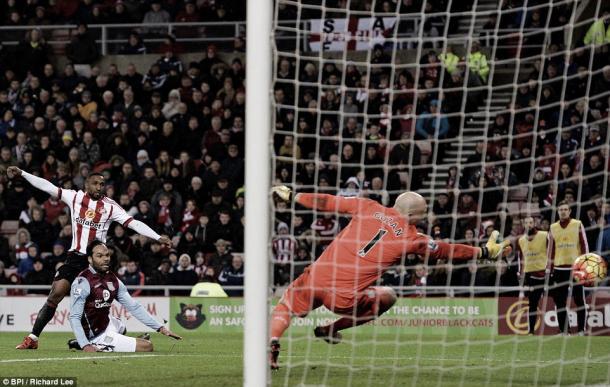 Above: Sunderland striker Jermain scoring his last goal at the Stadium of Light in the 3-1 win over Aston Villa | Photo: BPI/Richard Lee