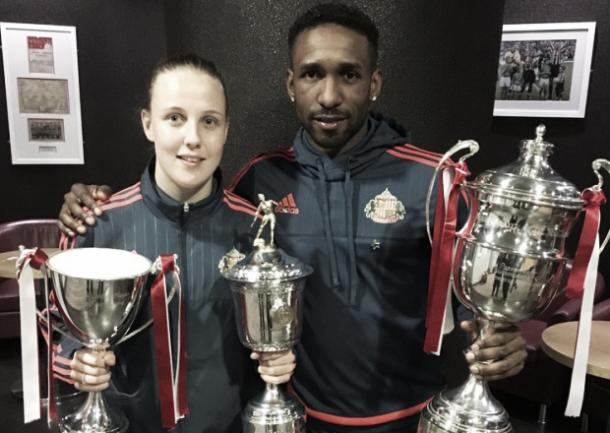 Above: Jermain Defoe picks up Sunderland Supporters Association Player of the Year award | Photo: Sunderland Echo