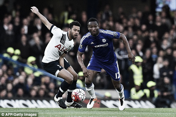 Above: John Obi Mikel battles with Moussa Dembele in Chelsea's 2-0 defeat to Tottenham | Photo: AFP/ Getty Images