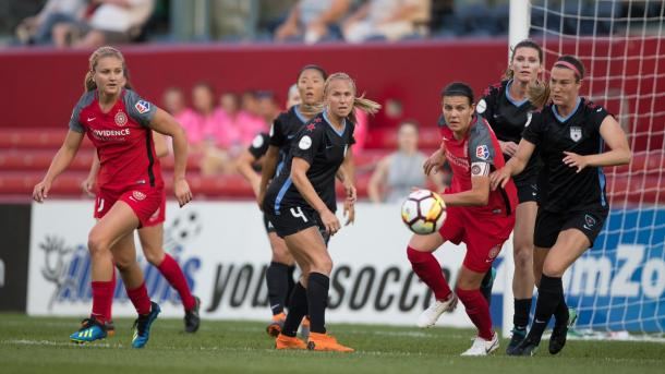 Portland and Chicago battle for a 1-1 tie | Photo: Portland Thorns on Twitter