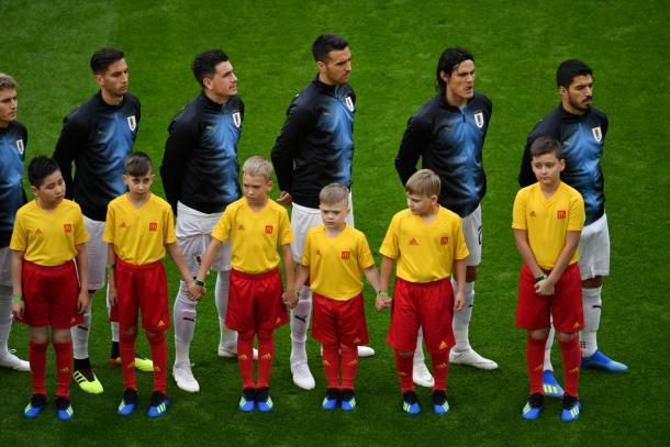 Los jugadores de Uruguay escuchan su himno | @SC_ESPN en Twitter