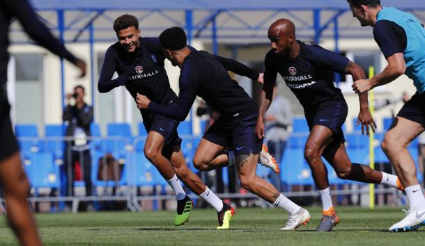 L'ultima sessione di allenamento inglese, che Dele Alli ha fatto in gruppo. | Fonte immagine: Twitter @England