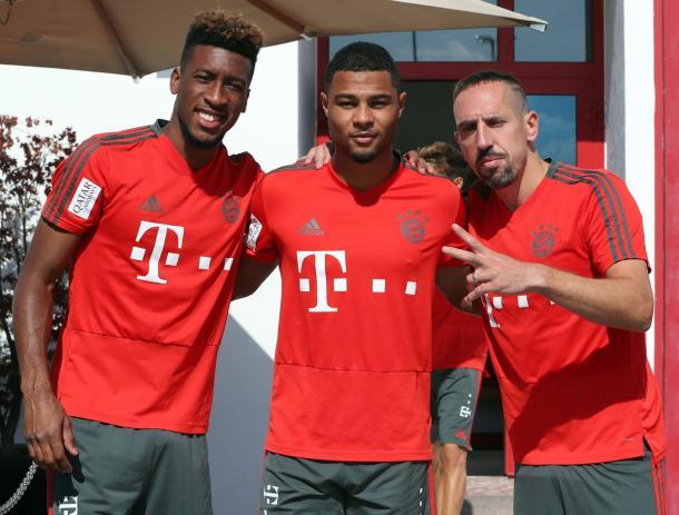 Coman, Gnabry y Ribéry en los entrenamientos del Bayern   Foto: @FCBayern