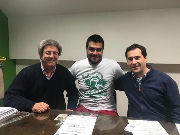 Diego Romero, capitán y emblema de la institución, renovando su contrato | Foto: Gimnasia