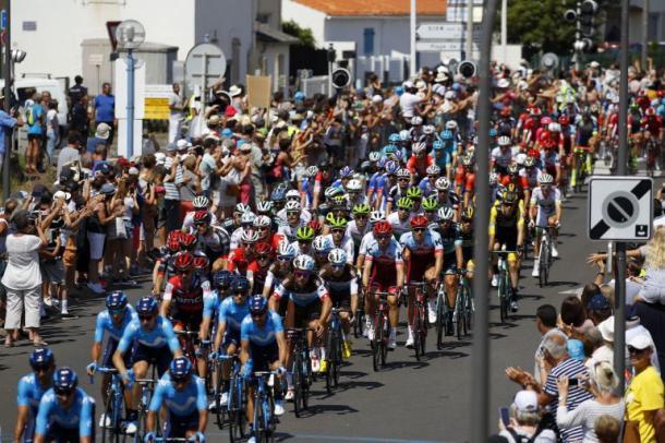 Los corredores en marcha (fuente Le Tour de France)