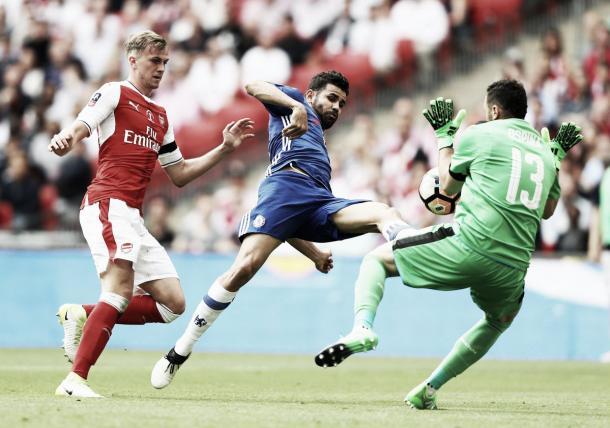 Diego Costa remata de forma acrobática frente a Ospina   Foto: Chelsea